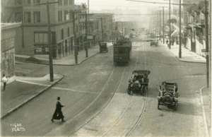 Vehicles on Pike Street in Seattle in 1902, prior to state vehicle licensing requirements.